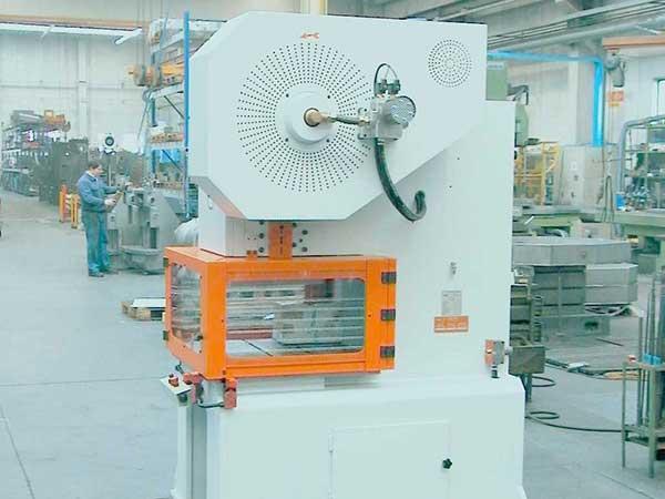 presse-meccaniche-su-misura-per-metalmeccanica